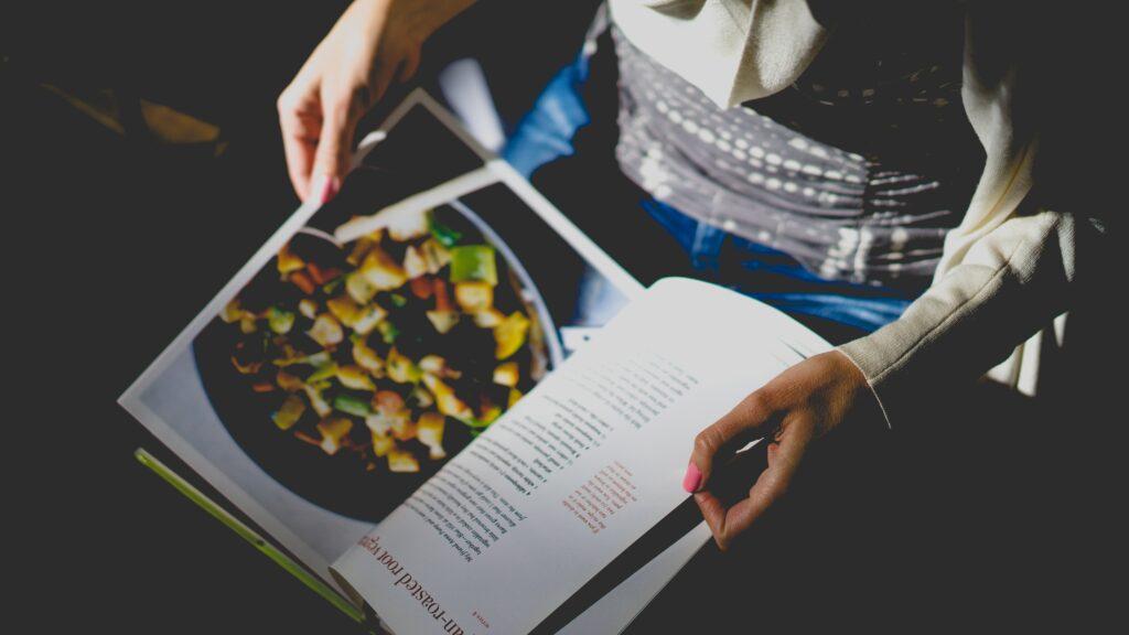 Kookboek bladzijde lezen